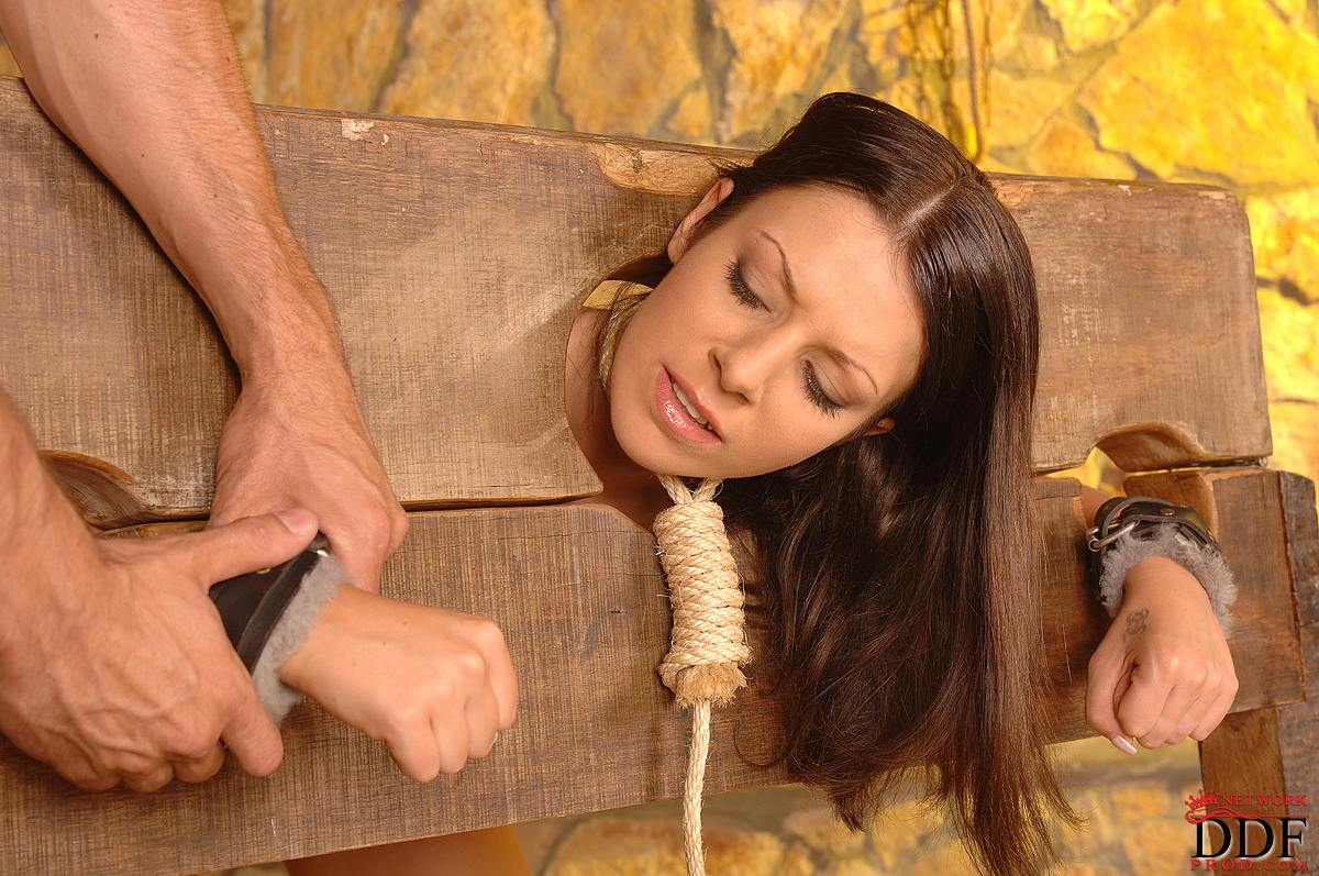 skinny jenny rides daddy reverse cowgirl nice ass